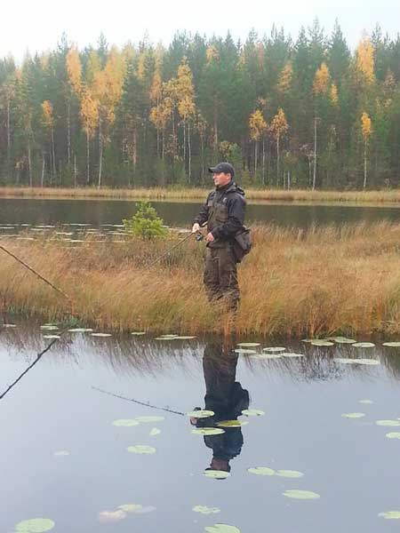 Фото: осенний спиннинг на озере